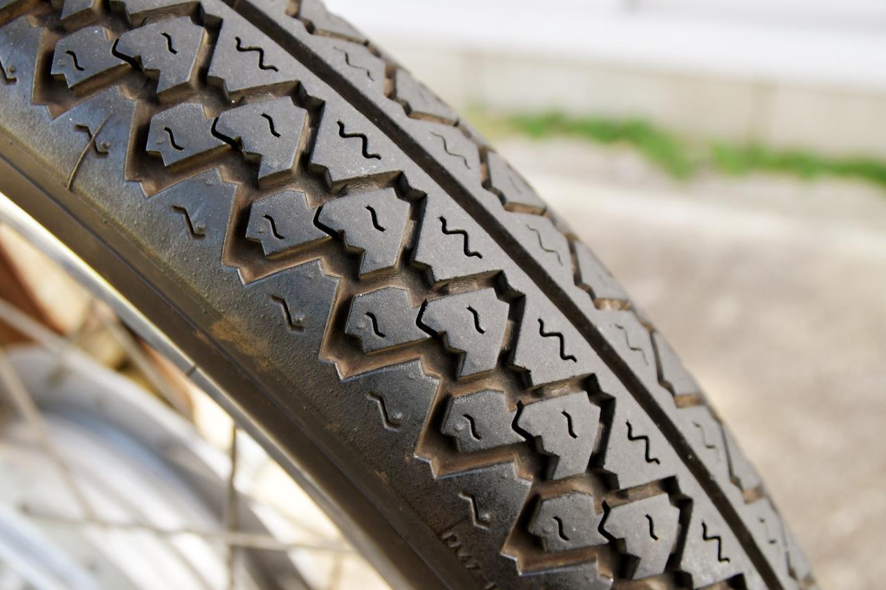 画像1: タイヤのスリップサインも点検してね
