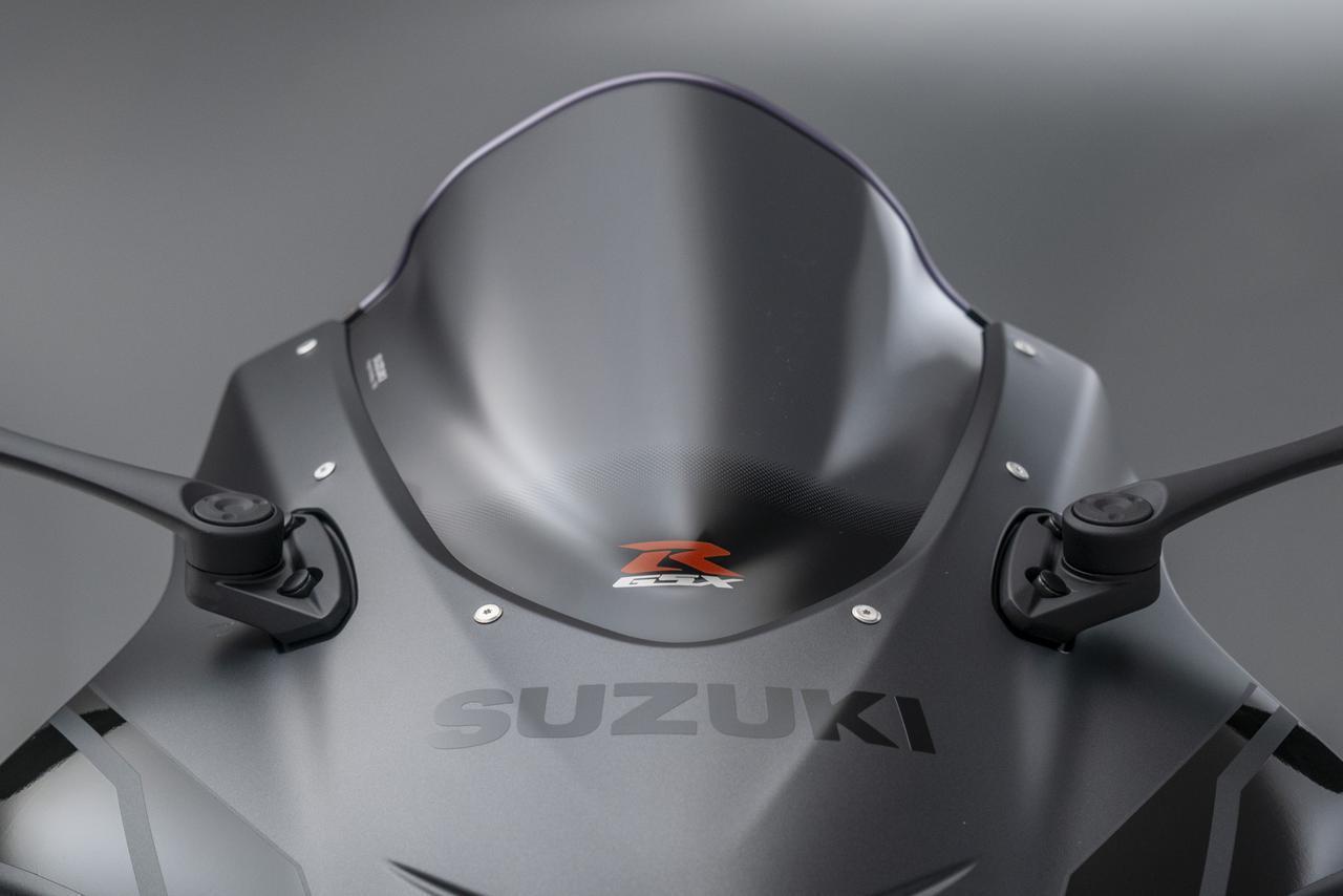 画像2: スズキ「GSX-R1000R ファントム」が英国で登場! 往年の限定モデルが復活、クールなボディカラーとレーシーな装備が魅力