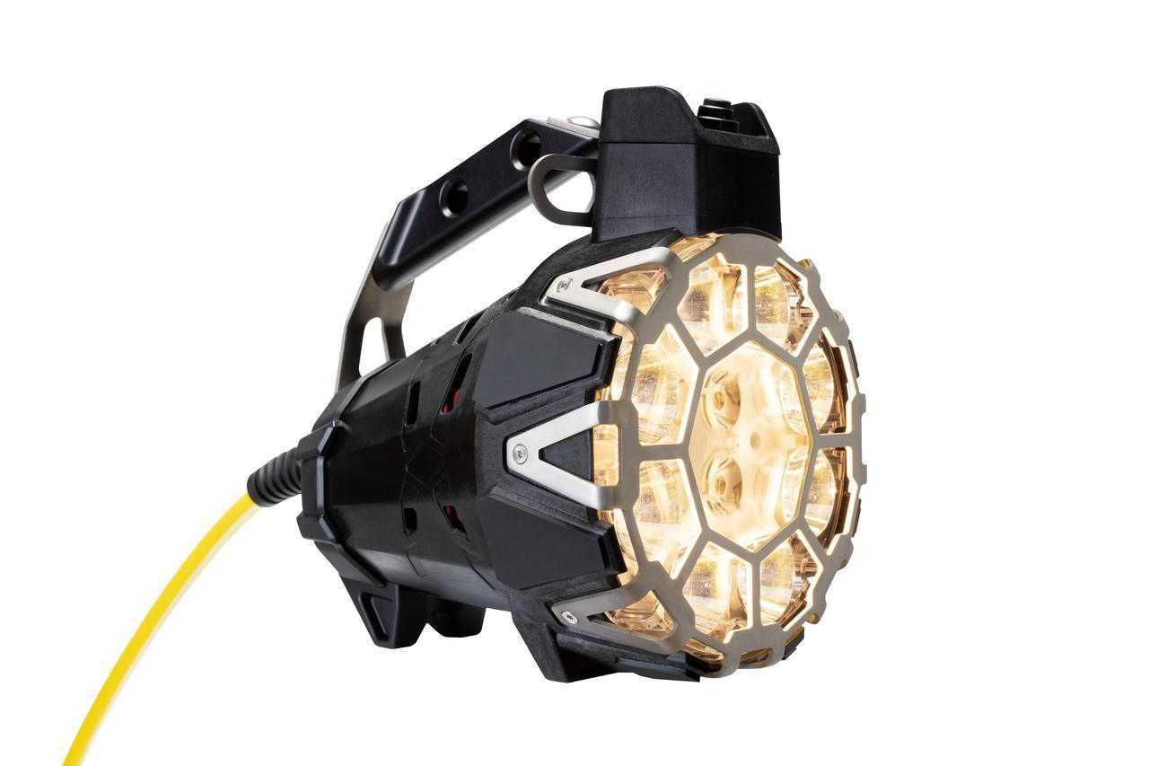 画像: ▲LED可搬式投光器 「X-BUSTER LED」 (消防向けモデル)