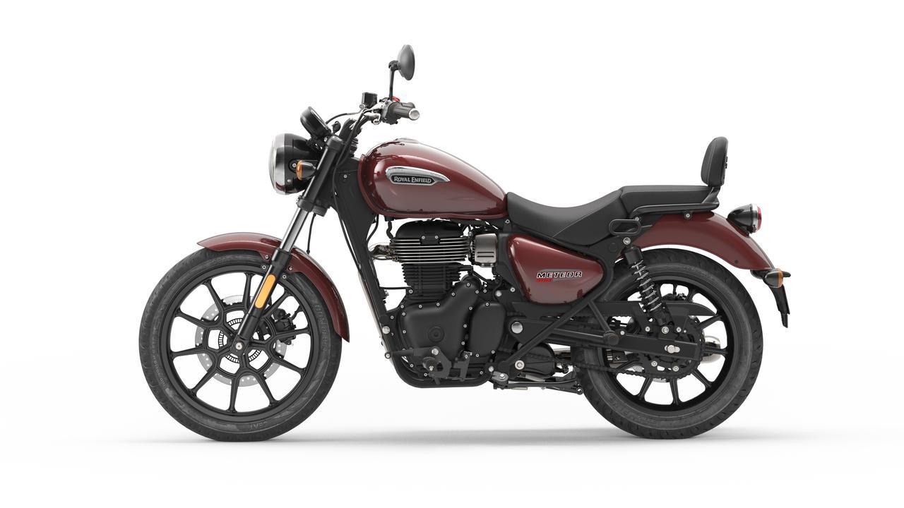 画像3: ロイヤルエンフィールド「メテオ350」日本での販売価格が決定! バイク専用ナビシステムを搭載した349cc単気筒クルーザー