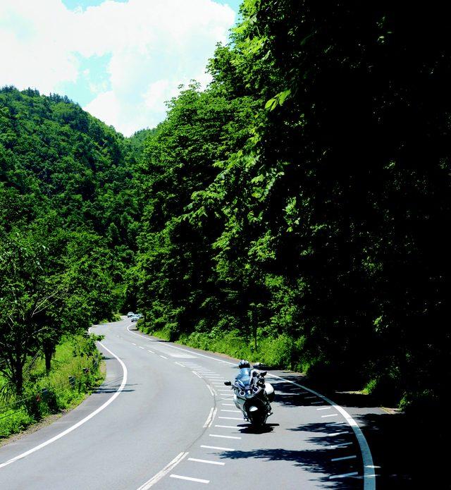 画像: せせらぎ街道 www.motormagazine.co.jp
