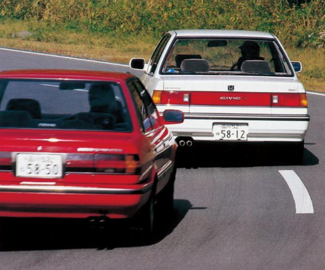 画像2: シビック4ドア36i VS スプリンターGT 大きく異なった2台の走り性格