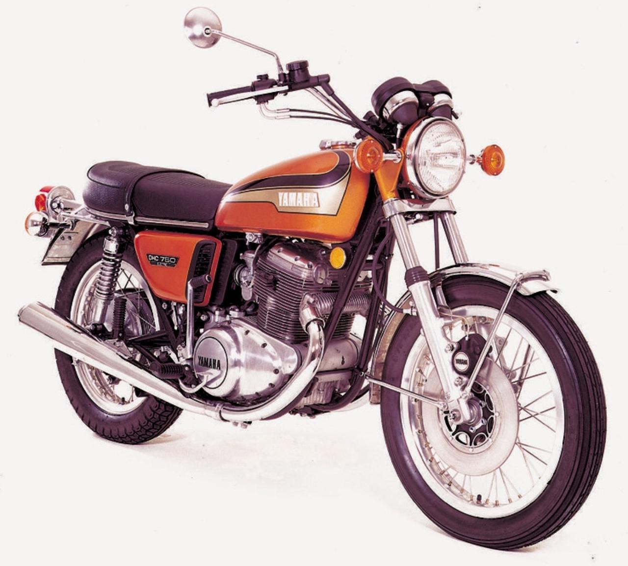画像: CBに続けといわんばかりに各メーカーも750ccを登場させていた70年代前半、それぞれエンジンは独自の構造で勝負していた。均質化された現在のバイクより個性豊かとも言えるし、模索していた時代だったのである。 写真は、YAMAHA TX750 1972。スリムで警戒というコンセプトはヤマハ4スト第1号車であるXS-1と同じだが、10馬力アップの心臓部にはカウンターバランサーを組み込み、スポーツユースに対応。豪快な乗り味と排気音が魅力だった。当時価格:38万5000円/©モーターマガジン社