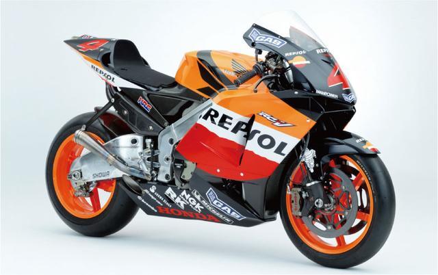 画像: 2002年に開幕したMotoGP!歴代マシンGPマシン遍歴を辿ってみよう!HONDA編。vol.2【2004-2006】 - LAWRENCE(ロレンス) - Motorcycle x Cars + α = Your Life.