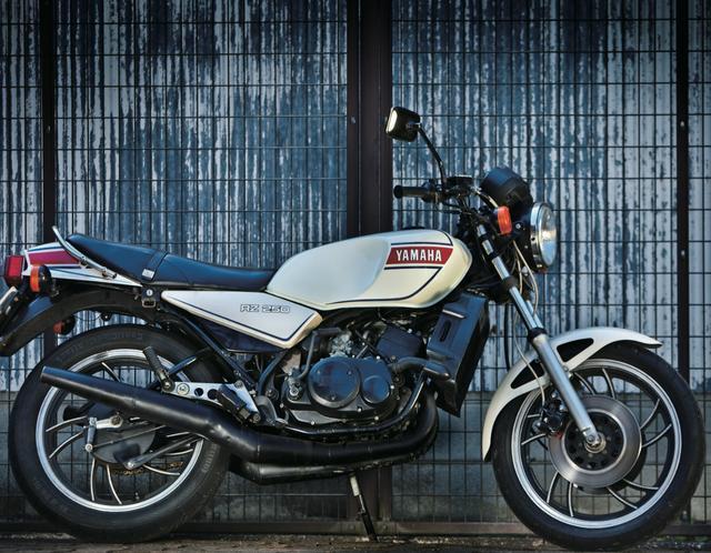 画像: 【2スト名車列伝】vol.01  新しい歴史を作った偉大なマシン RZ250 (1980) - LAWRENCE(ロレンス) - Motorcycle x Cars + α = Your Life.