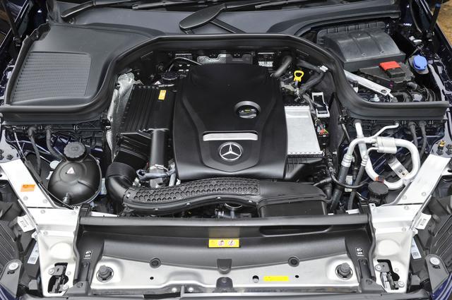 画像: 搭載エンジンはCクラスにも積まれる274型2リッター直4ターボの1機種のみ。トランスミッションには9速ATが組み合わされる