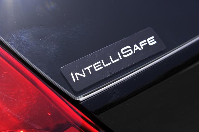 画像: ボルボは、「2020年までに新しいボルボ車での死亡者や重傷者をゼロにする」という安全目標「VISION020」を掲げている。その実現のためにオートブレーキやACC、BLISなどの安全デバイスを標準装備にしている。