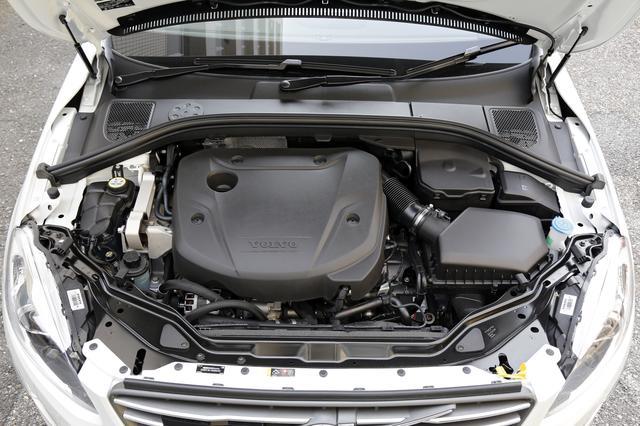 画像: D4エンジンは、最高出力190ps、最大トルク400Nmを発生する。この4リッター級のトルクがXC60にとって余裕ある走りをもたらす。エンジン音も室内では気にならない。
