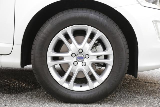 画像: 標準装着しているのはコンチネンタルのコンチエココンタクト5 for SUV。サマータイヤなので雪道走行には適さない。