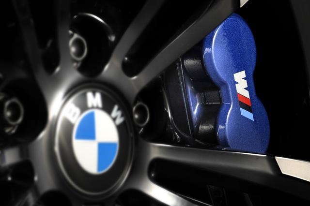画像: 。Mコンパウンドブレーキシステムは、優れた制動力と冷却性能を実現。