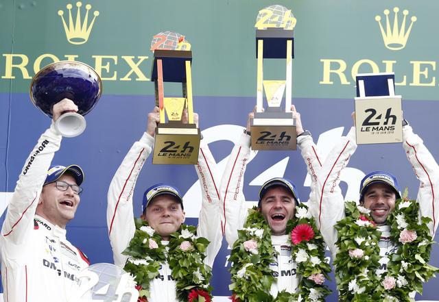画像: 優勝ドライバーはR.デュマ、N.ジャニ、M.リーブ。