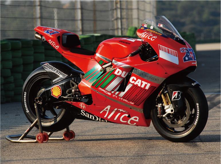 画像: 2002年に開幕したMotoGP! 歴代マシンGPマシン遍歴を辿ってみよう! DUCATI編。vol.3【2007-2008】 - LAWRENCE - Motorcycle x Cars + α = Your Life.