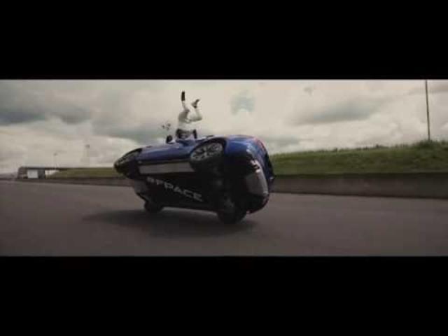 画像: Jaguar F-PACE   Performance SUV Thrills at Goodwood www.youtube.com
