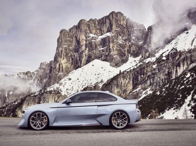 画像1: 【動画】BMW2002ターボに敬意を表したクルマ
