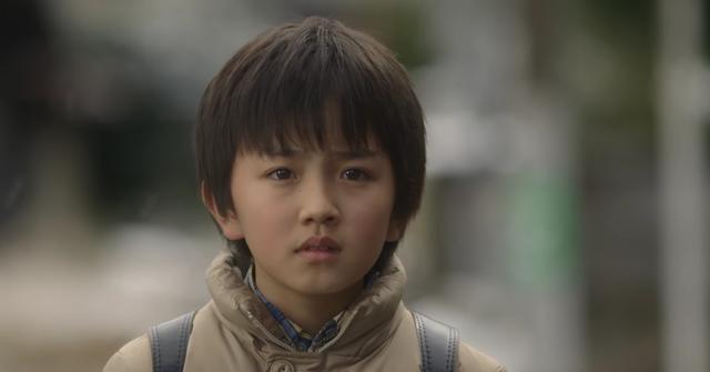 画像: 小学生時代に戻った悟 wwws.warnerbros.co.jp