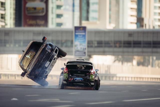 画像: Ken Block's Ultimate Exotic Playground in Dubai | Gymkhana | Ford Performance youtu.be