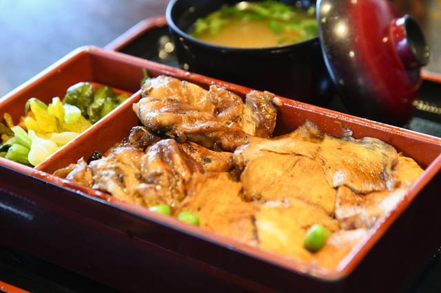 画像: 昼食は鳥飯。群馬県民のソウルフードとも言われていようだ。とてもおいしくいただきました。