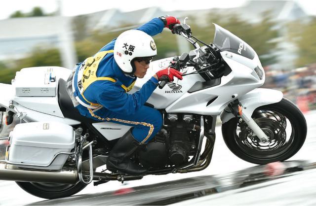画像8: (オートバイ©モーターマガジン社) www.motormagazine.co.jp