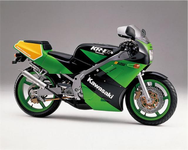画像3: (日本のバイク遺産 -レーサーレプリカ年代記-©モーターマガジン社) www.motormagazine.co.jp