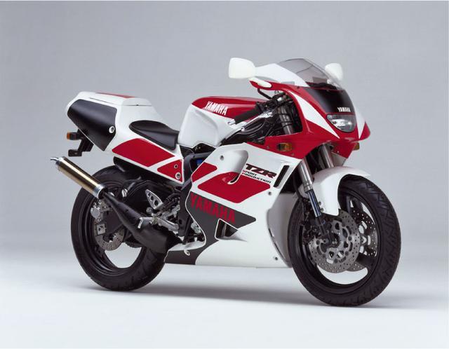 画像2: (日本のバイク遺産 -レーサーレプリカ年代記-©モーターマガジン社) www.motormagazine.co.jp