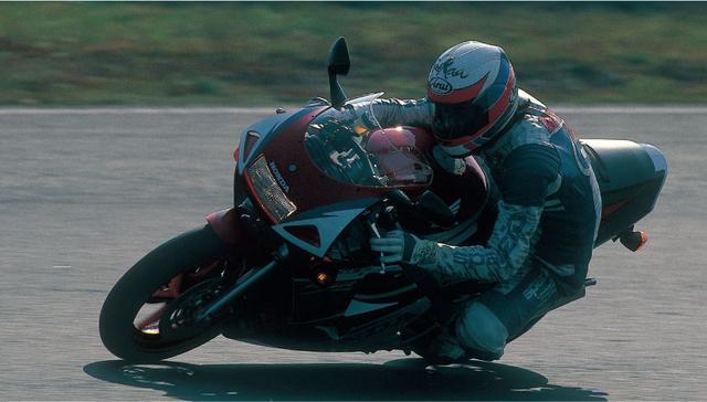 画像: 【1980年代】レーサレプリカブームの軌跡: 1994 Honda NSR250R/MC28 - LAWRENCE - Motorcycle x Cars + α = Your Life.