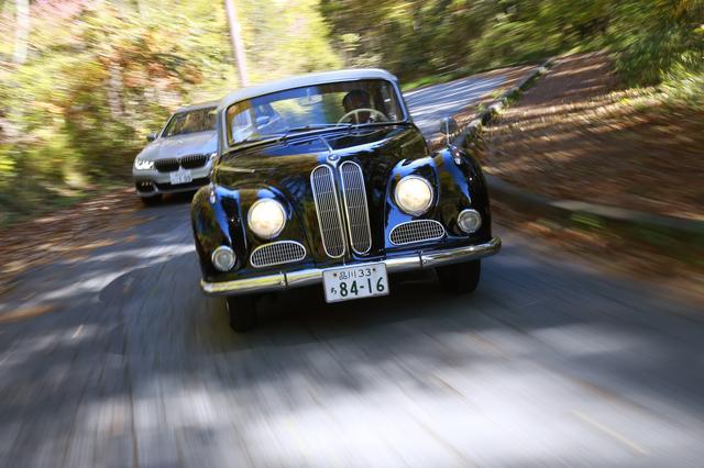 画像: ともにV8エンジンを搭載する現行BMW750iとBMW3200S。この2台で八ヶ岳周辺を30分ほどハンドルを握ってドライブした。