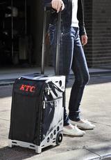 画像: KTCのロゴがとても似合う。 ハンドルは2段階伸縮式を採用、最大で103cmまで伸びる。