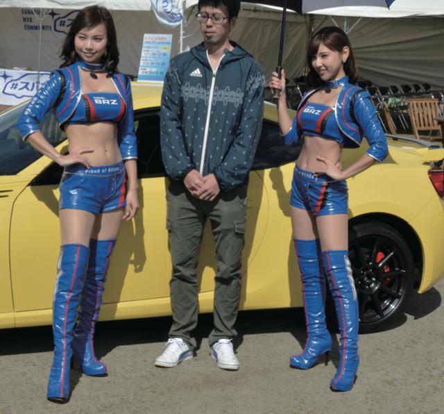 画像: 「BREEZE」メンバーの藤谷香々チャン(左)と森脇亜紗紀チャンが、スバコミブースに登場。人数限定の「フォトセッション」で、一緒に記念撮影してくれるのだ! ちょっと、羨ましかったのだ !! www.motormagazine.co.jp