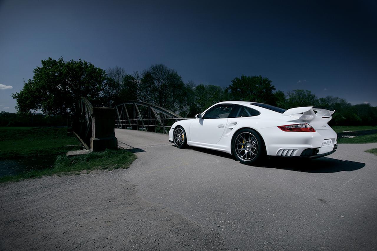 画像: CH-Rのサイズバリエーションは、18インチから20インチまで。911の他、BMW Mやゴルフ TCRなどにも似合う。