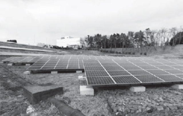 画像: 太陽光発電パネル