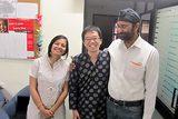 画像: 鳥越氏と現地NGOの職員たち