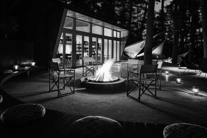 画像: 星のや富士のライブラリー&キャンプファイヤー施設