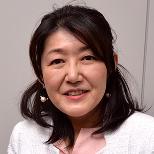 画像1: 白河 桃子 少子化ジャーナリスト、相模女子大学客員教授 東京都生まれ、住友商事、外資系金融などを経て著述業に。婚活、妊活、就活、 キャリアプランなど女性のキーワードについて発信する。 山田昌弘中央大学教授とともに、「婚活」を提唱し、 「婚活ブーム」を巻き起こす。少子化対策、女性のライフデザイン、キャリア、 ワークライフバランス、ダイバーシティ、働き方改革などがテーマ。 現在、少子化ジャーナリスト、作家、相模女子大学客員教授、 昭和女子大学女性文化研究所客員研究員として多方面で活躍。著書多数。