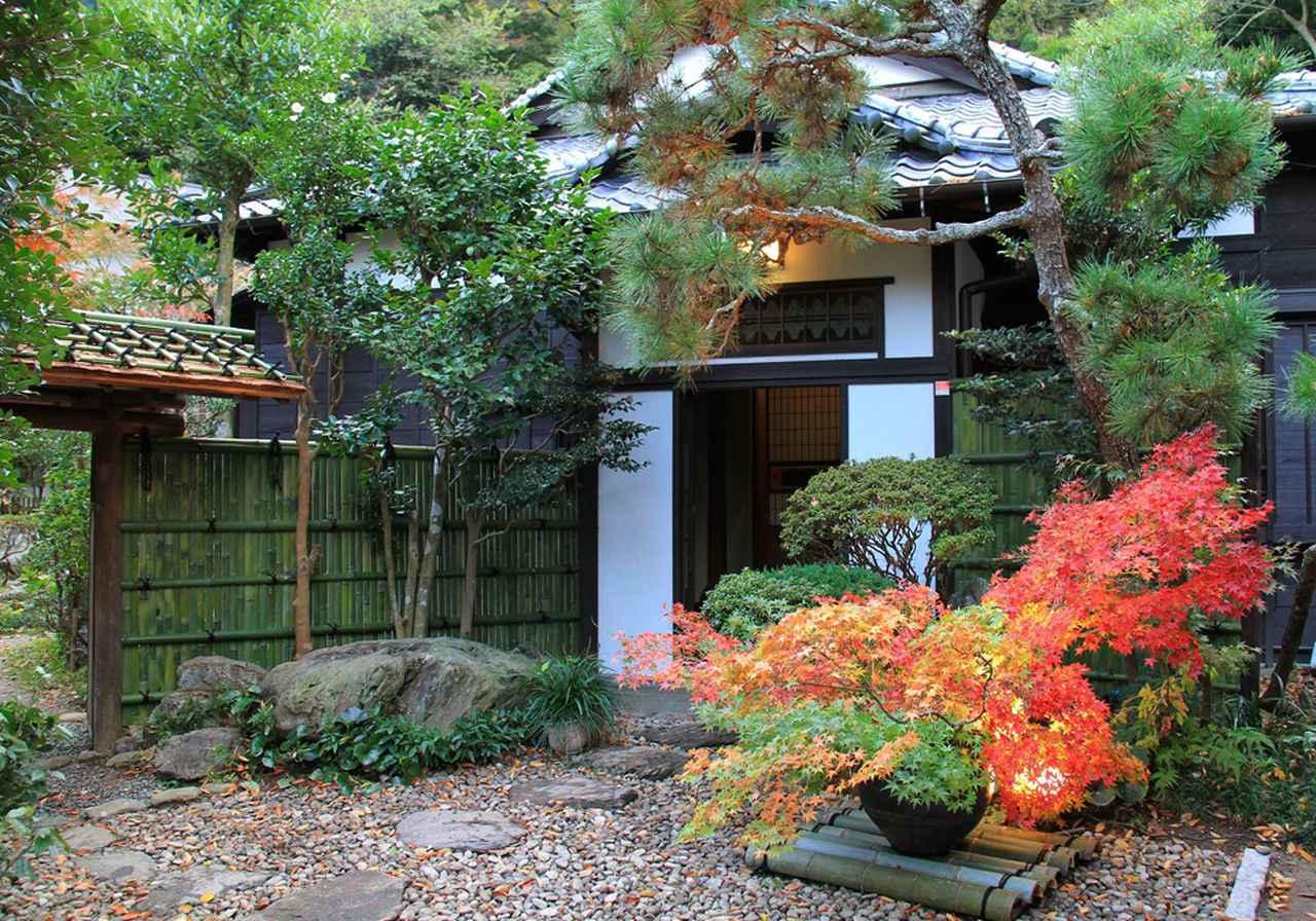 画像: 鎌倉投信の社屋。JR鎌倉駅から北東へ徒歩約20分、入り組んだ小路の奥にある。