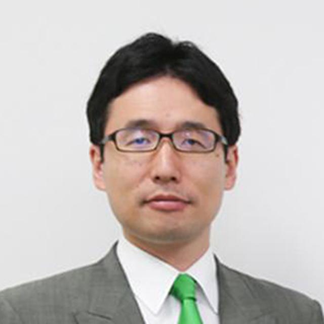 画像: 出雲充(いずもみつる) 1980年広島県生まれ、東京都育ち。東京大学農学部卒業。在学中、バングラデシュの子どもたちを栄養失調から救うため、ミドリムシ(学名:ユーグレナ)を扱ったビジネスの起業を決意。株式会社東京三菱UFJ銀行での勤務を経て、2005年8月に株式会社ユーグレナを設立し代表取締役社長に就任。同年12月、石垣島で世界初のミドリムシ屋外大量培養に成功。2008年の伊藤忠商事株式会社からの出資をきっかけにビジネスを展開し、2014年に東証1部上場。著書に「僕はミドリムシで世界を救うことに決めました」(ダイヤモンド社,2012年)。