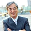 画像: 佐々木良一氏 東京電機大学 未来科学部 情報セキュリティ研究室 教授 1947 年、香川県生まれ。1971年、東京大学卒業。同年4月、日立製作所入社。システム開発研究所にてシステム高信頼技術、セキュリティ技術、ネットワーク管理システム等の研究開発に従事。同研究所第4部長、セキュリティシステム研究センター長、主管研究長等を経て、2001年より東京電機大学教授(現在は未来科学部所属)。工学博士(東京大学)。 著書に、『ITリスクの考え方』『インターネットセキュリティ入門』(岩波新書)、共著に、『ITリスク学』『情報セキュリティ事典』(共立出版)、『インターネットセキュリティ―基礎と対策技術』(オーム社)などがある。現在は、ITリスク学の確立と体系化に注力している。