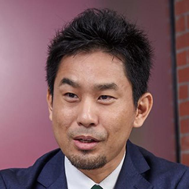 画像: プロフィール:坂井洋平(さかいようへい) 1978年、兵庫県生まれ。徳島大学工学部光応用工学科卒業。2001年、旧・J-フォン西日本株式会社に入社。2004年に退社してWebデザイン・コンサルティング会社を起業。2008年にソフトバンクモバイル株式会社(現・ソフトバンク株式会社)に入社し、ディズニーモバイルやLGBTマーケティングなどのサービス企画を務めた。以後e-kakashiプロジェクトの事業・商品企画開発を推進。現在、ソフトバンクグループのPSソリューションズ株式会社 CPS事業本部 農業IoT事業推進部 部長を務め、ソフトバンク株式会社 ITサービス開発本部 CPS事業推進室 担当課長を兼任。