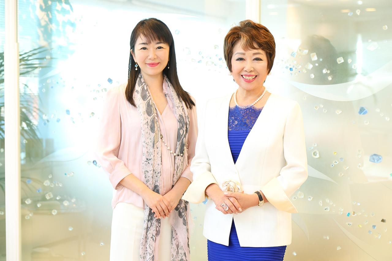 画像: 2018年からポピンズの代表取締役社長を務めている、娘の轟麻衣子氏(左)