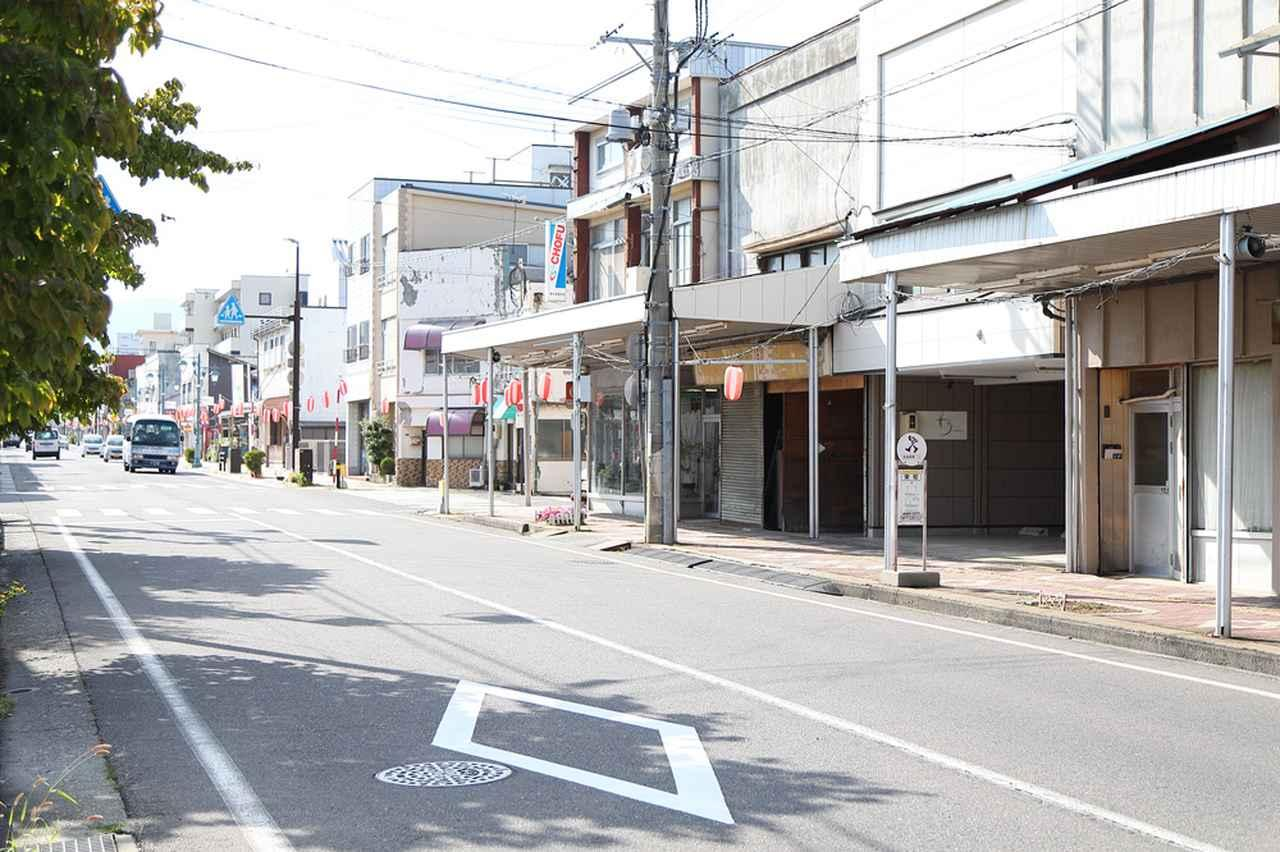 画像: JR塩尻駅前の大門商店街