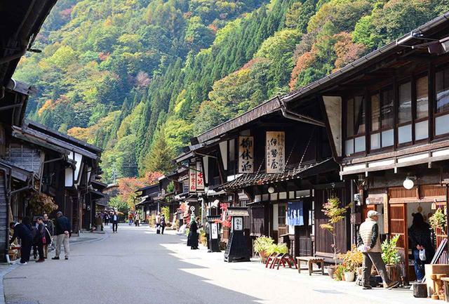 画像: 旧中山道の宿場町、奈良井宿