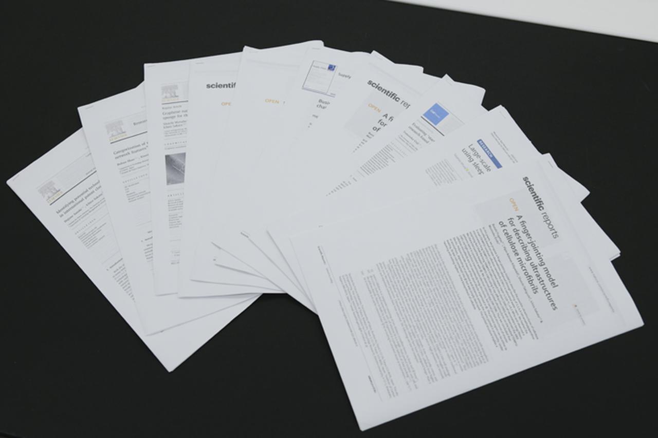 画像: 坂田研究室のメンバーが投稿した最近の論文。グローバルなトップジャーナルに多数採択されている。
