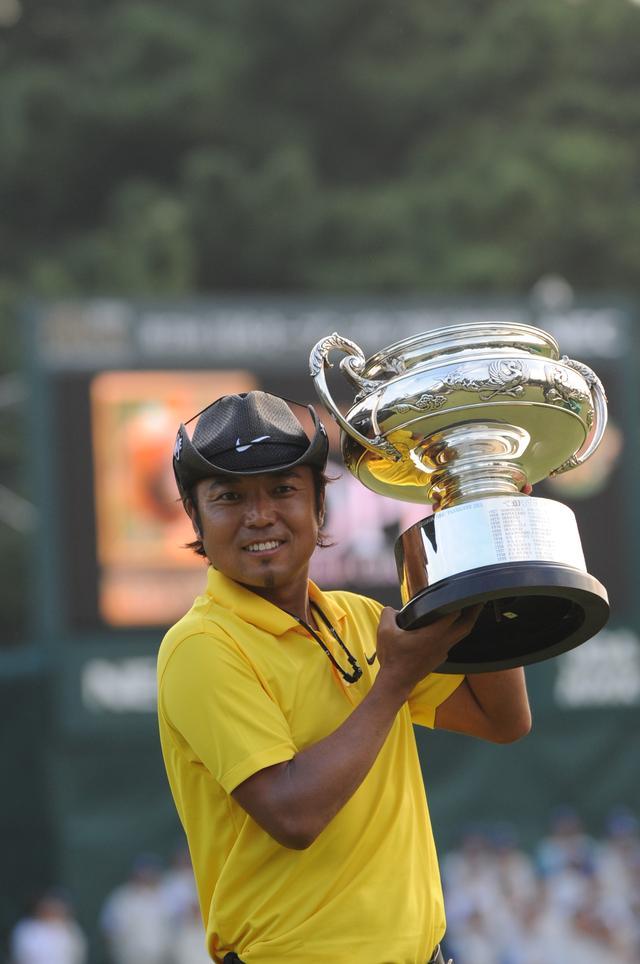 画像: 2008年日本オープン優勝チャンピオン:片山晋呉(会場:古賀G.C. )