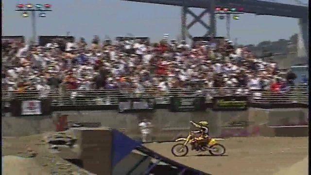 画像: Travis Pastrana - 1999 X Games 5 - Moto X FreeStyle - San Francisco, CA www.youtube.com