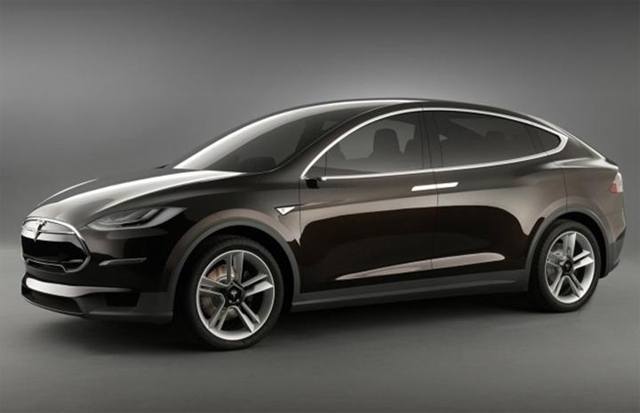 画像: 図2 ドアミラーをカメラに置き換える 出典:Tesla MotorsTesla Motors/Elon Musk reintventing the car: now pushing for mirrorless Tesla (2013/08/26)