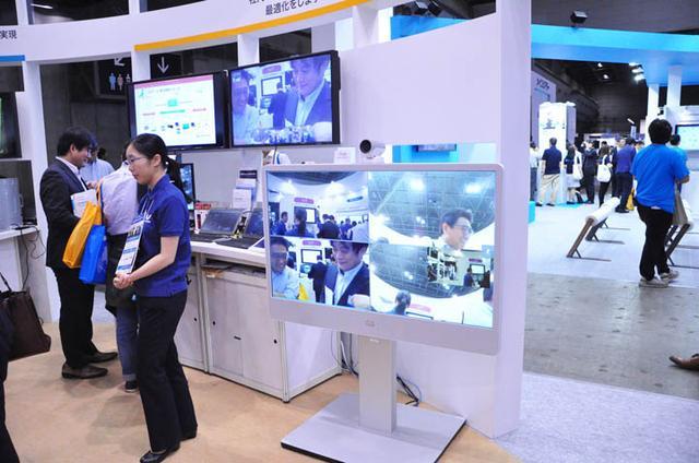 画像: UCコーナーで展示した、Cisco MX300