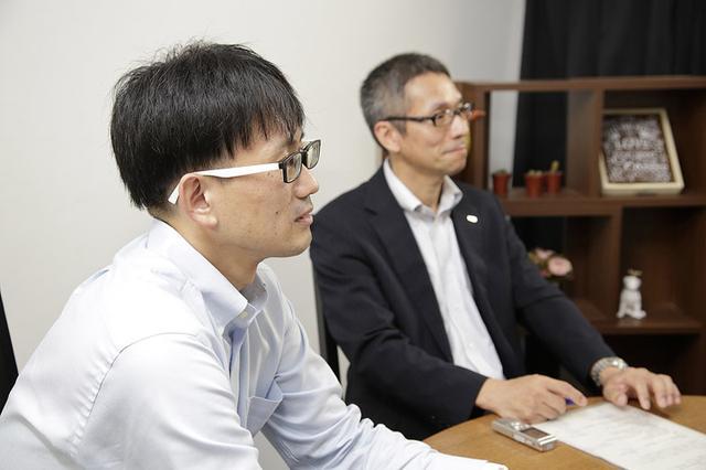 画像: ユニアデックス 齊藤(左)、小椋(右)