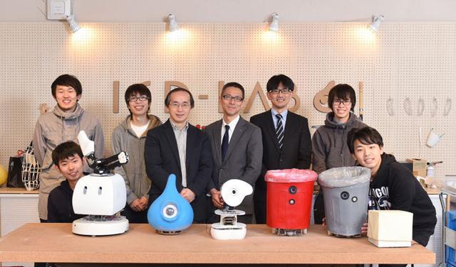 画像: 岡田研究室でロボットの研究を担当されている学生の皆さま