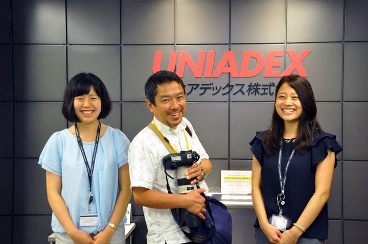画像: フォトグラファーの阿部さん(中央)