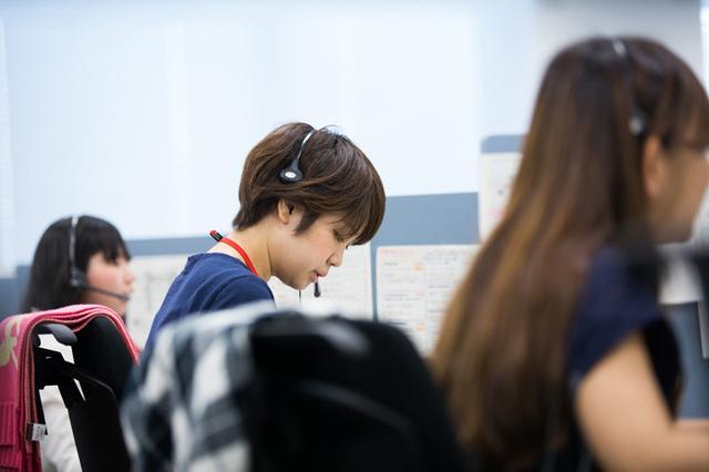 画像1: ユニアデックスの社員を撮影した写真をご紹介します  【その3】コールセンター(2017年10 月2日号)