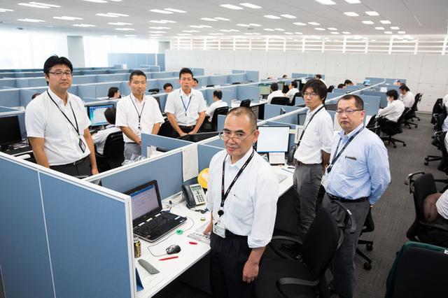 画像6: ユニアデックスの社員を撮影した写真をご紹介します  【その3】コールセンター(2017年10 月2日号)